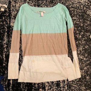 🦊 Victoria's Secret thin striped sweater